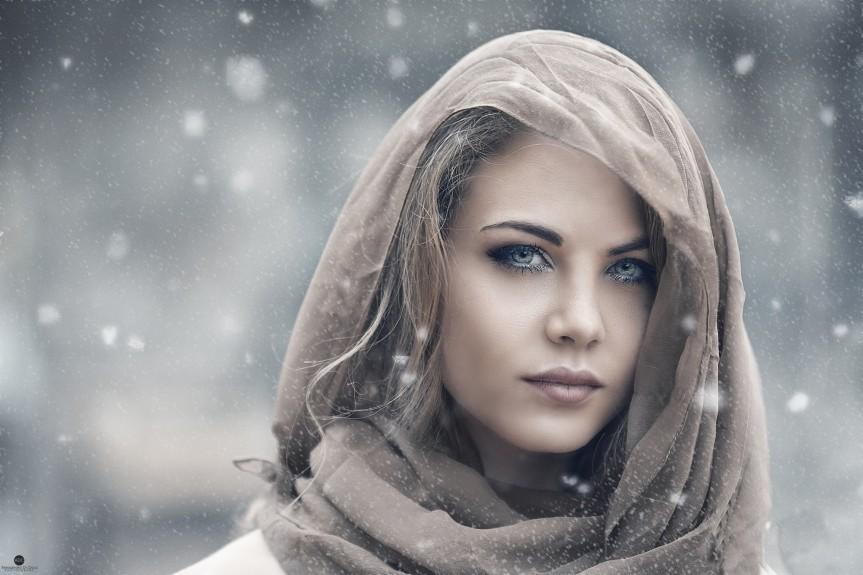 face-portrait-blonde-women-veil-2048x1365