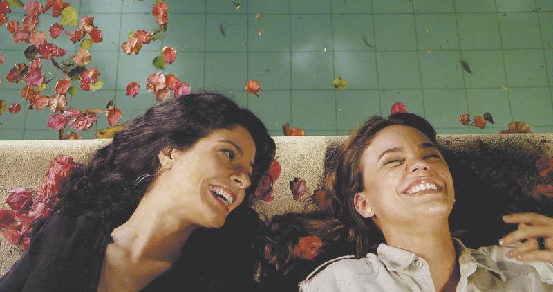 Full length lesbian scenes