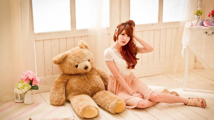 woman-teddy-bear