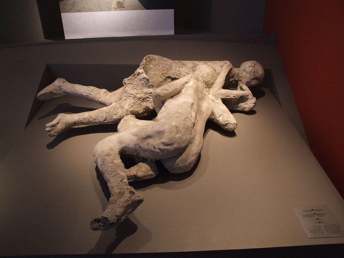 twomaidens pompeii