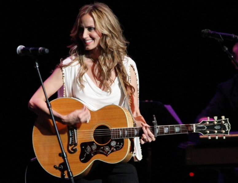 beautiful_talented_chely_wright